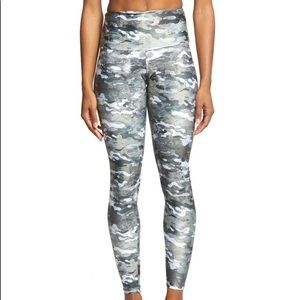BN onzie yoga full length marble camo legging
